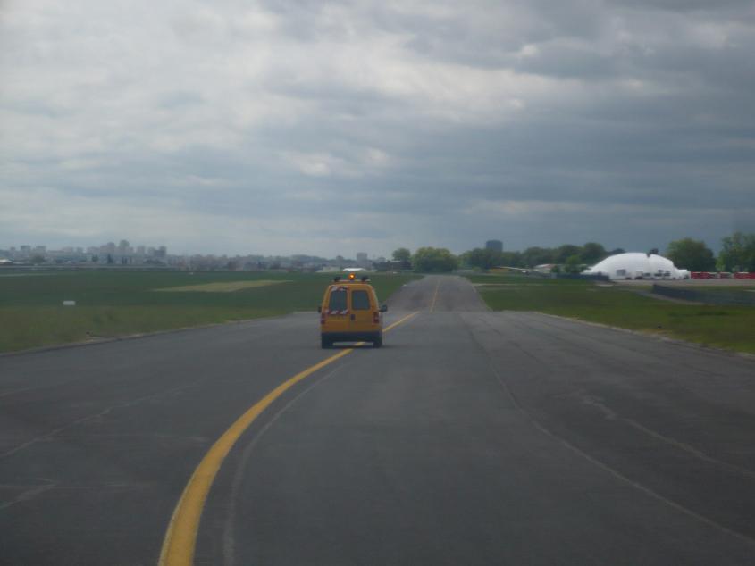 JA débarque au Bourget le 8 mai 2009 - Page 9 Bourget019m